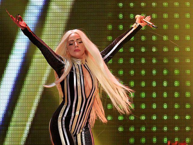 Lady Gaga предстоит пережить операцию на ноге